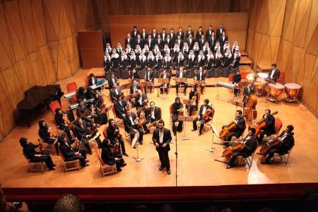 كنسرت گروه كر شهر تهران آثاری از بزگران موسیقی کلاسیک را اجرا میکند