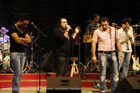 گزارش تصویری از کنسرت گروه سون در سالن میلاد تهران