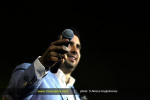 کنسرت امید حاجیلی در تهران - 22 اردیبهشت 1395