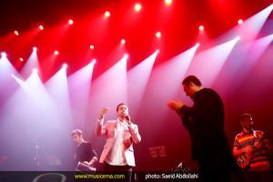 کنسرت امید حاجیلی در تهران - 22 خرداد 1394
