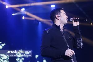 کنسرت محسن یگانه در جشنواره موسیقی فجر - 30 دی 1395