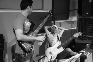 تمرین گروه نوباز برای کنسرت شهریور 1395