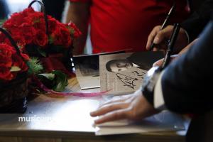 مراسم جشن امضای آلبوم «قایق کاغذی» اثر «پازل بند» - 23 مرداد 1395