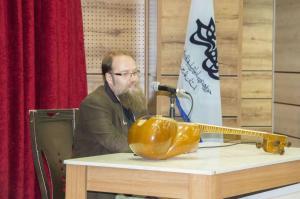 افتتاحیه نمایشگاه تار و سه تار در بتهوون شیراز