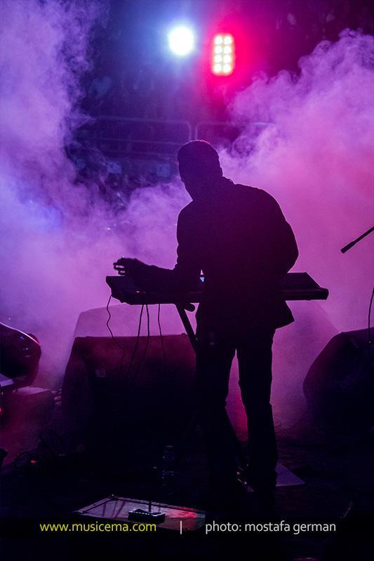 کنسرت تصویری گروه استیج گزارش متنی و تصویری از کنسرت فرزاد فرزین | موسیقی ایرانیان